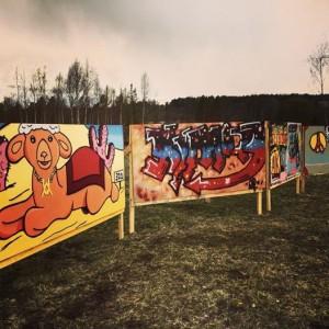 Graffiti längs väg 321